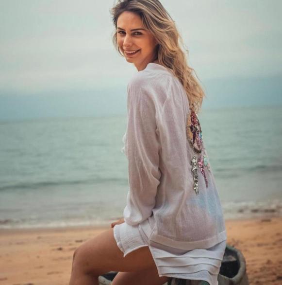 Saída de Praia Bata Curta Filtro dos Sonhos Branca